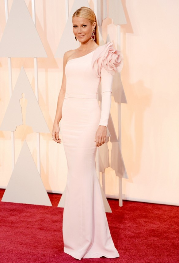 Gwyneth Paltrow in  Ralph & Russo gown