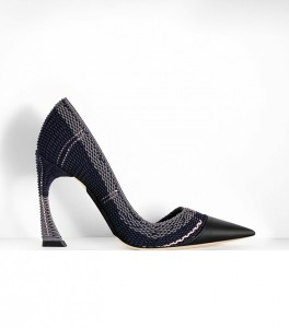 Dior the curved heel