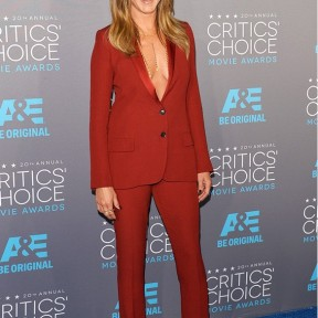 One colour look Jennifer Aniston Gucci