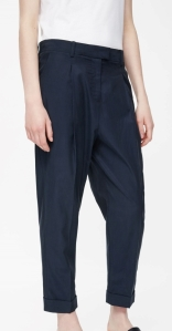 COS RELAXED PLEATED TROUSERS navy