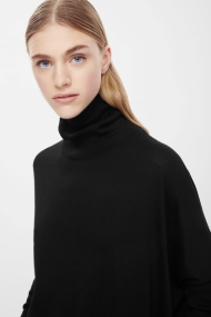 COS ROLL-NECK MERINO JUMPER black