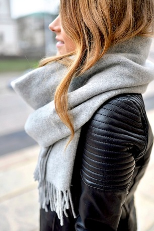 Le-Fashion-Blog-Blogger-Marianna-Oversized-Scarf-Ribbed-Sleeve-Leather-Moto-Jacket-Via-Mariannan