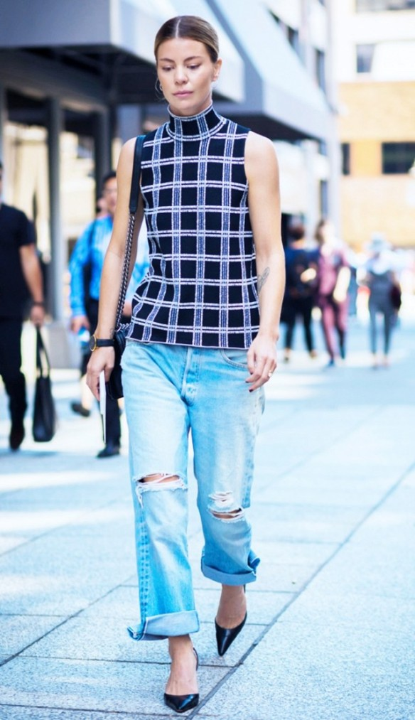 18-street-style-approved-ways-to-wear-blue-jeans-1773344-1463565896.640x0c