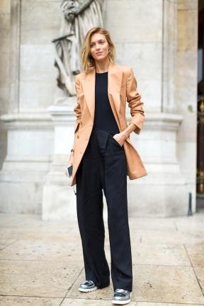 Monochrome + different colour blazer
